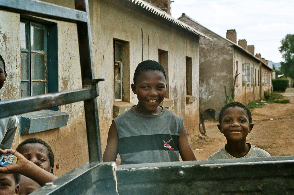 Aliwal North - Südafrika - Herstellung von Handstrichziegeln und Hausbauprojekt